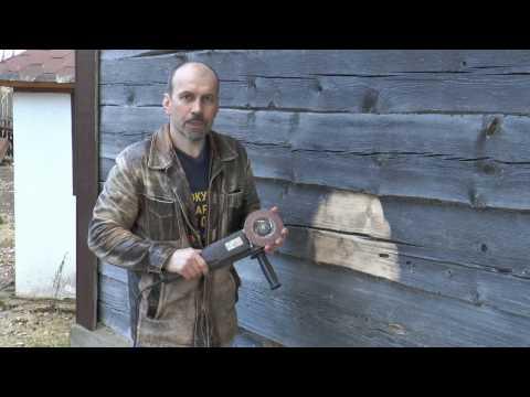 Отшлифовать стены старого деревянного дома. Защита древесины.