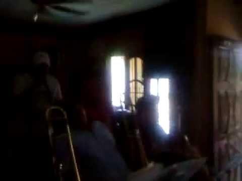 NB LatinaCasi un hechizo-Jerry Rivera