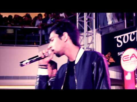 Anirudh - Enakena Yarum illaye live at EA