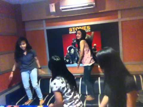 Harlem shake at happy puppy karaoke yogyakarta indonesia for Terrace karaoke jogja