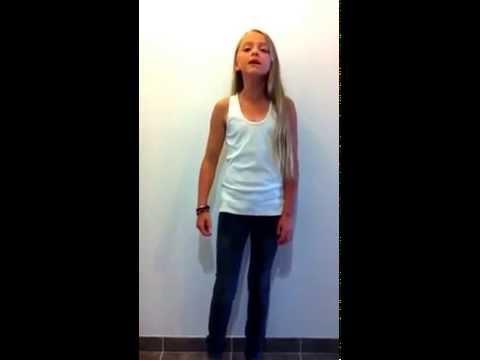 Laureline chante Louane