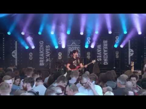 Breaking Waves - Bands On The Square 2016