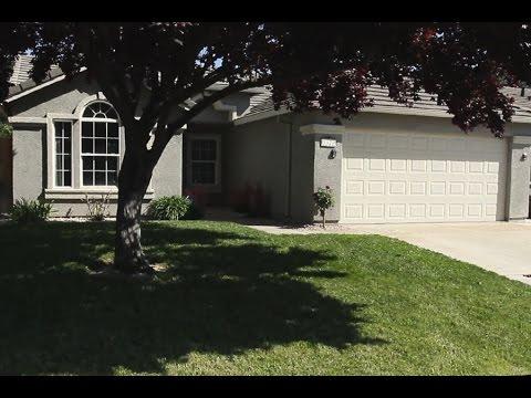 9320 Village Tree Dr, Elk Grove, CA 95758
