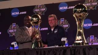 AP Player of the Year (Kelsey Plum), Coach of the Year (Geno Auriemma) Trophy Presentations