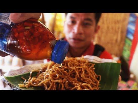 HOW to EAT PANCIT LUCBAN / HABHAB STREET-STYLE at Niyogyugan Festival