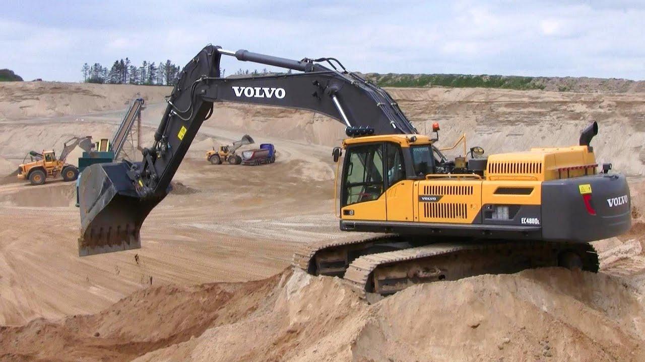 Volvo EC480D Excavator With Big Bucket Swinging Sand - YouTube
