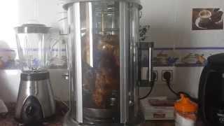 asador vertical de pollo y kebab.