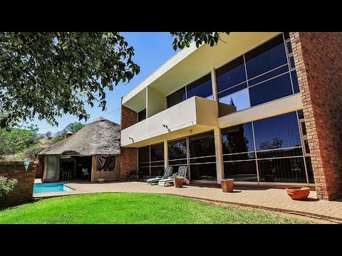 4 Bedroom House for sale in Free State | Bloemfontein | Helicon Heights | T160204