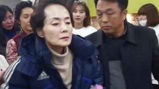 """Download [풀영상] 故김영애 마지막 촬영현장...""""드라마 끝날 때까지만 살아있게..."""" [통통영상]"""