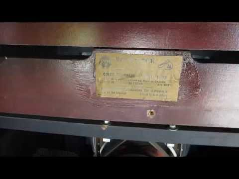 RCA 1954 Victor CT-100 Vintage Television (Video 2)