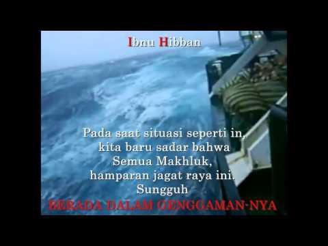 Mengerikan!!!! Sedang Berlayar di Tengah Lautan Kejebak Badai