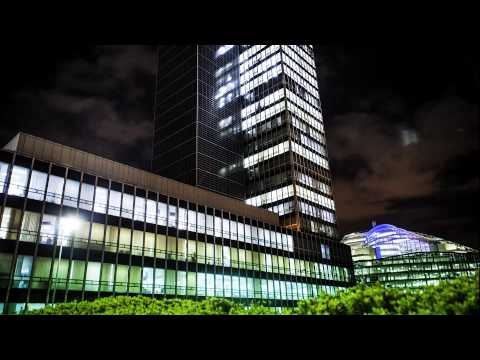 10 minute time-lapse: CIS building in Manchester at night