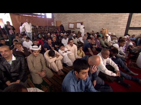 British Muslims work to counter extremism