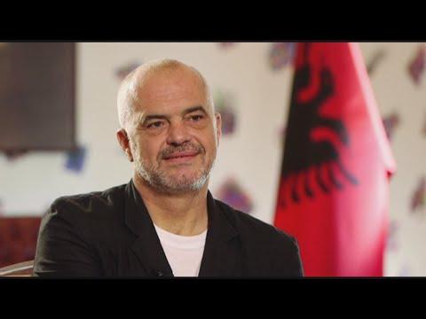 """Edi Rama, Premier ministre albanais : """"Nous espérons commencer les négociations d'entrée dans ..."""