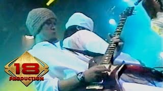 Video Dewa 19 - Pangeran Cinta (Live Konser Surabaya 6 November 2005) download MP3, 3GP, MP4, WEBM, AVI, FLV September 2018