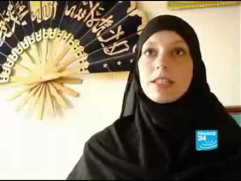 France 24   French Woman Converted to Islam 2010