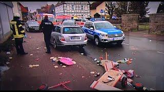 Tömegbe hajtott egy autós Németországban