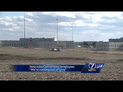 Nebraska Corrections employee: 'We're running out of time'