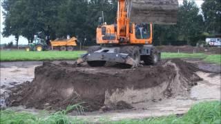 De aanleg van een poel en heuvel in ons paddockparadijs - 29 augustus 2016