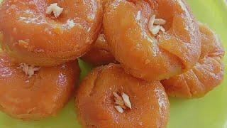 జ్యూసీ జ్యూసీ గా నోట్లో వేసుకుంటే కరిగిపోయే బాదుషా ని ఇలా చేయండి   badusha recipe in telugu.