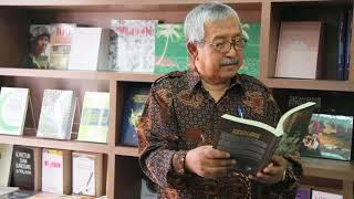 "Download Video Tuan Haji Djamal Tukimin membaca puisi ""Bingkisan Setulusnya kepada Sahabat"" (Hari Puisi Sedunia) MP3 3GP MP4"