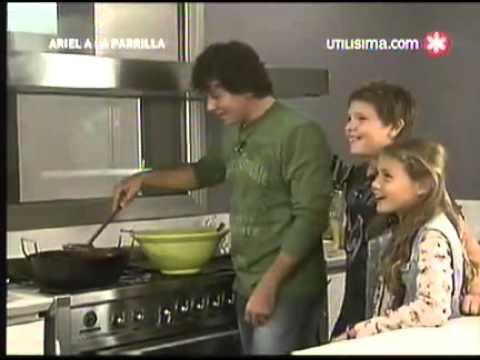 Ariel a la Parrilla   19 06 11   Pollo frito aros de cebolla buñuelos de acelga