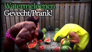 Wedstrijd watermeloen kapot maken met het hoofd - Prankster vs DIM