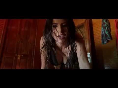 Sunny Leone Stripping in Jackpot