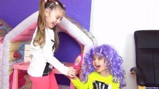 Dominika and Richard Pretend Play Beauty Salon