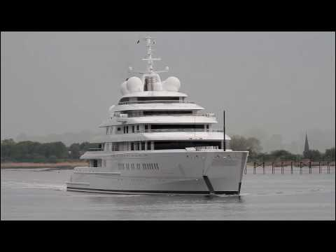 Megayacht AZZAM - longest yacht in the world - Weser height Brake Unterweser / Germany