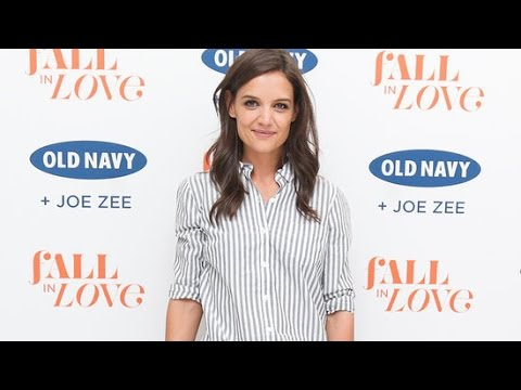 Katie Holmes Wore This Anti-Skinny Jeans Trend With Her Go-To ...