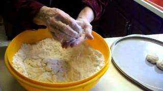 How To Make Momma's Homemade Biscuits
