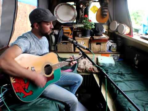The Narrowboat Sessions 2016, Gary Roberts, 'Weather the Cracks'