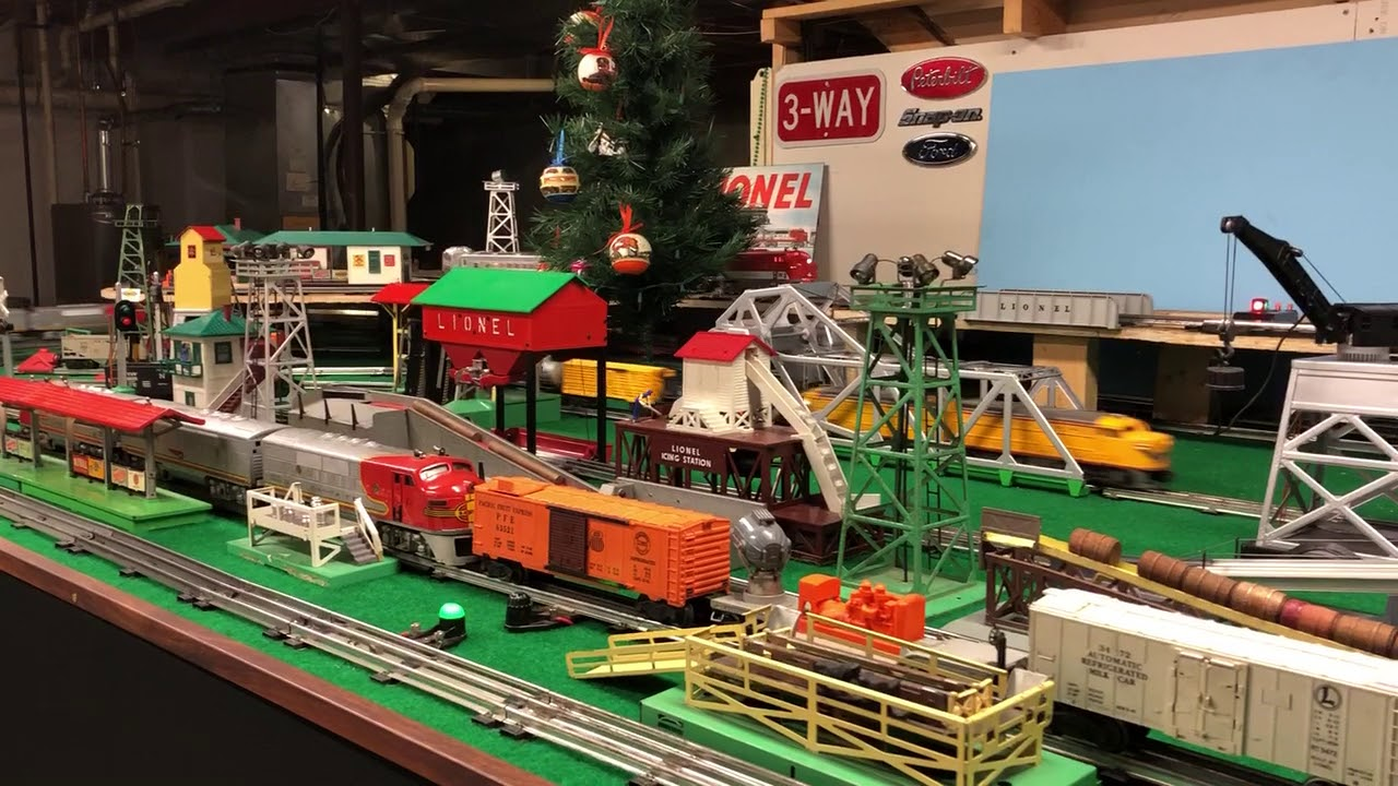 Postwar Lionel Train Layout