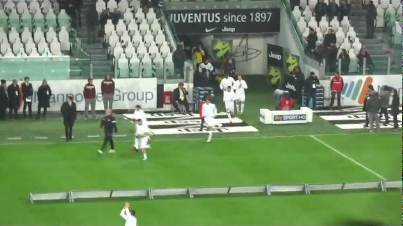 9ec2fae9b8 Juventus - Torino 3-0 (2012 13) - Ingresso Riscaldamento Juve HD ...