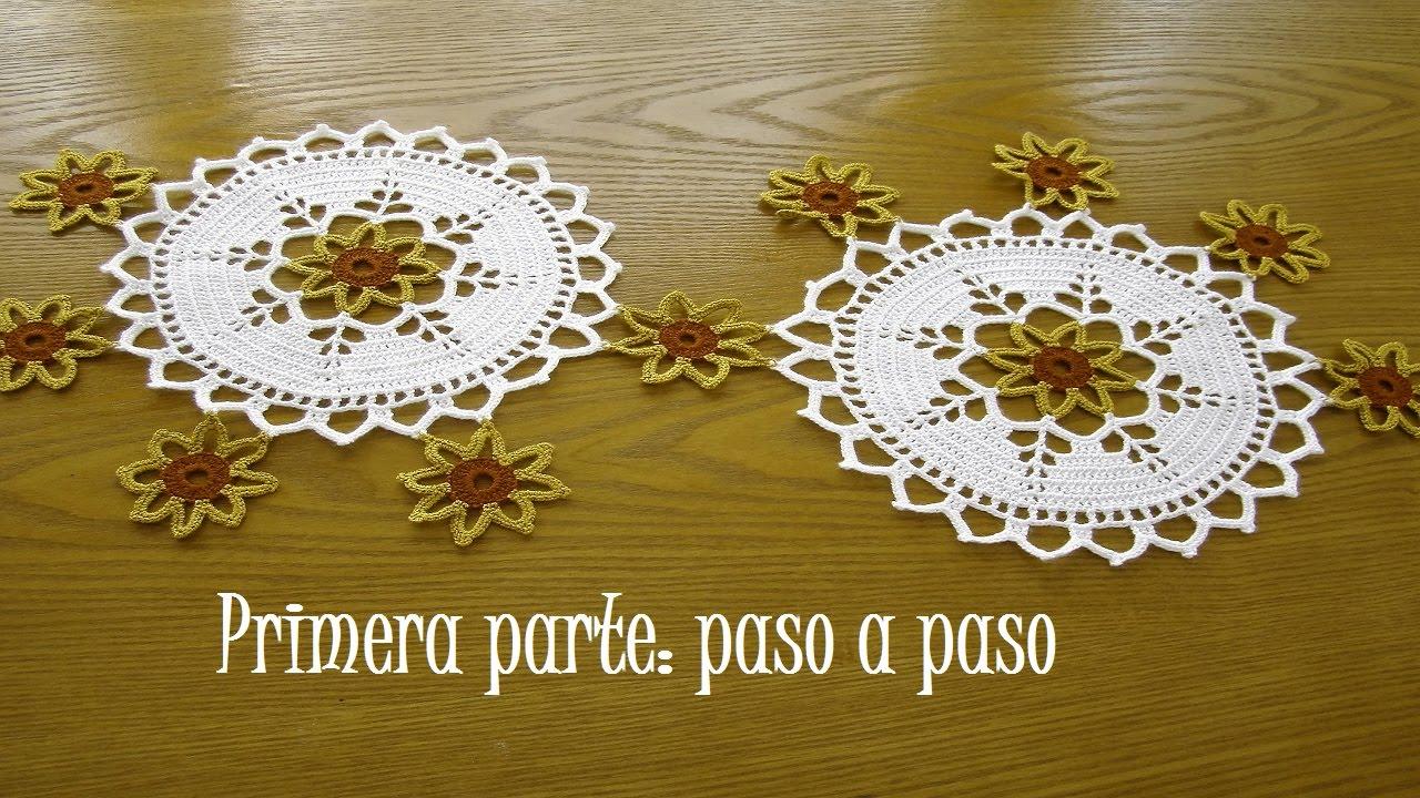 Centro o camino de mesa flores en espiral a crochet paso for Centro de mesa a crochet