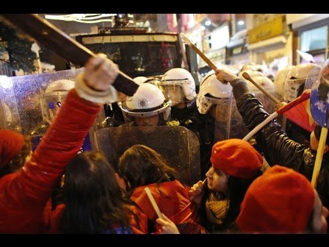 Girls vs Cops: Violent clashes erupt at Intl Women's Day march in (Turkey)  3/9/14