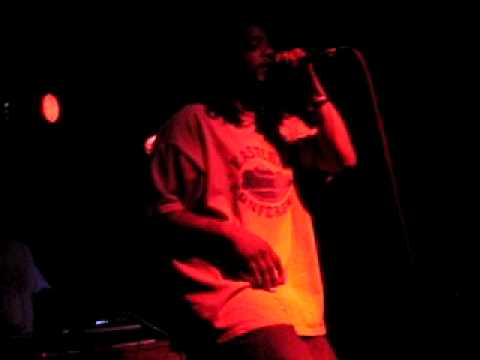 Rahem TameOne Brown throwing up on audience, May 7...