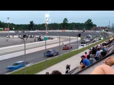 Sunset Speedway Mini Stock Crash