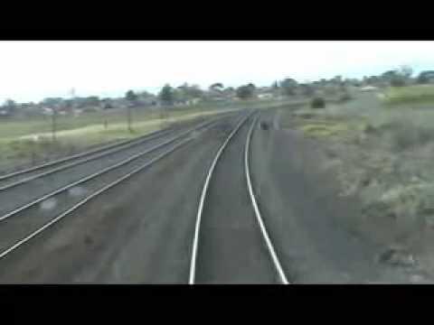 Junge Springt Vor Zug Youtube