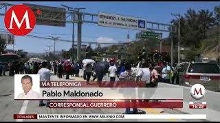 Maestros bloquean la Autopista del Sol en Guerrero