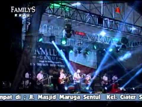 "Familys Dangdut ""Malam"" Selvi Anggraeni"
