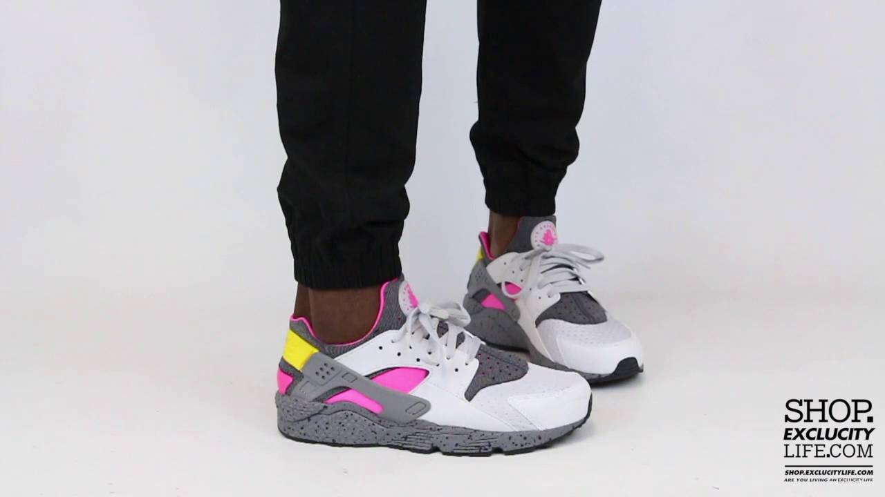 low priced 7f6c6 71a45 Nike Huarache Run
