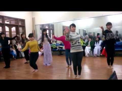 múa những cô gái việt nam 12CDAN