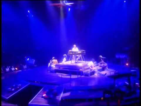 Phil Collins - Long Long Way To Go (Live)