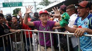 Караван мигрантов остановлен на границе