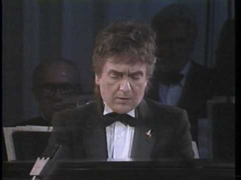"Dudley Moore live ""The Song From 10"" "" It"