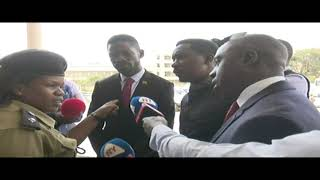 Scuffle at Parliament as Police Blocks Kyadondo East MP Hon. Robert Kyagulanyi thumbnail