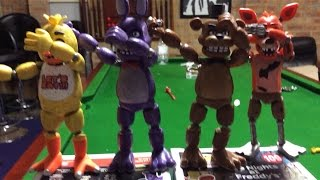 Five Nights at Freddy's: Real VS Bootleg action figures stop motion!