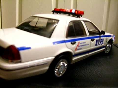 Police Led Lights >> 1/18 Scale AutoArt NYPD Police Crown Victoria with Flashing LED Lights and Lightbar - YouTube